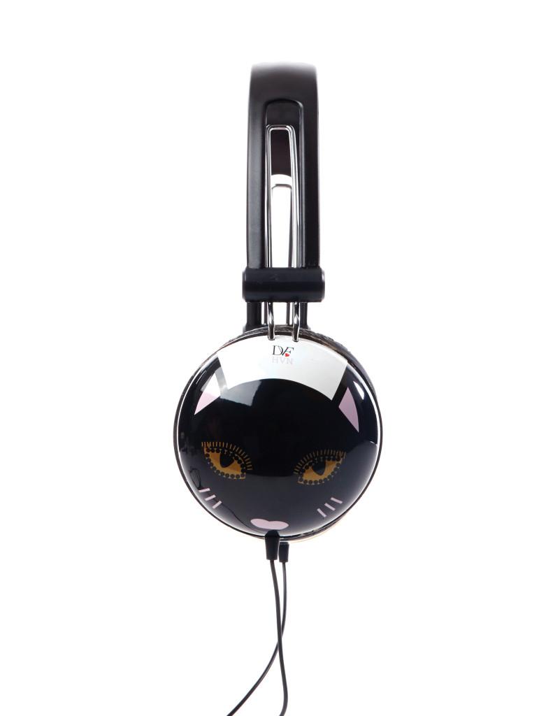 Headphones_Side_Cord_RGB