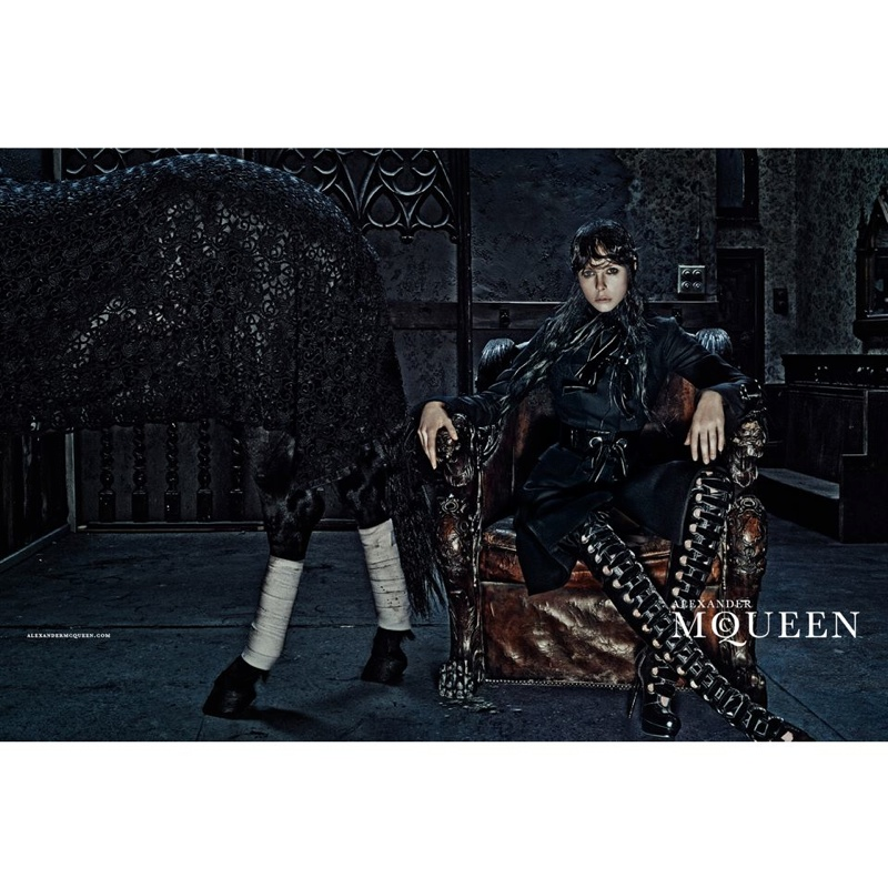 alexander-mcqueen-2014-fall-winter-campaign1