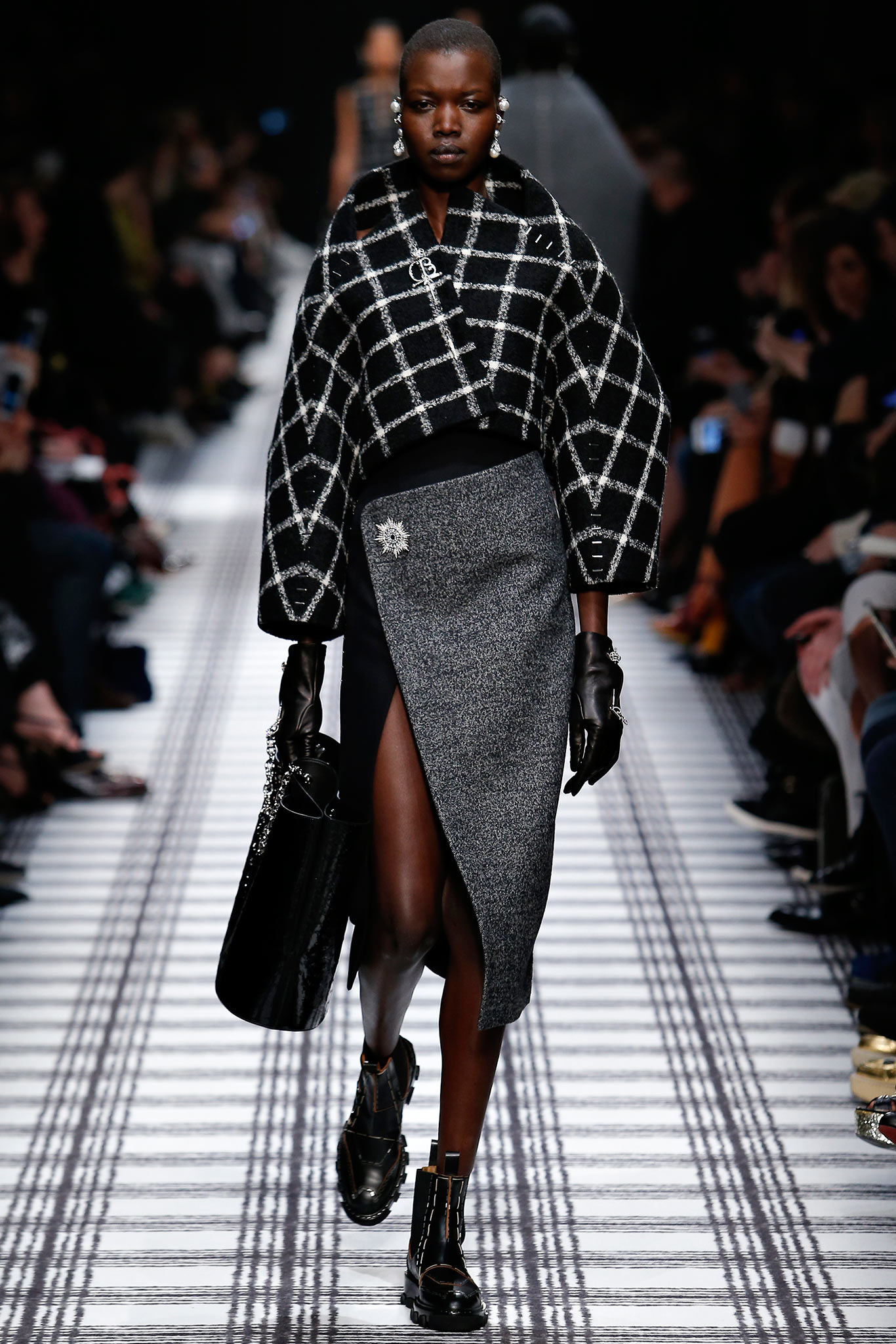 cf8ebfe97f Paris Fashion Week  Fall 2015