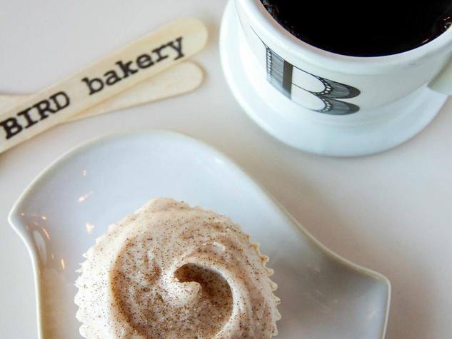 bird-bakery-coffee-cupcake_115102