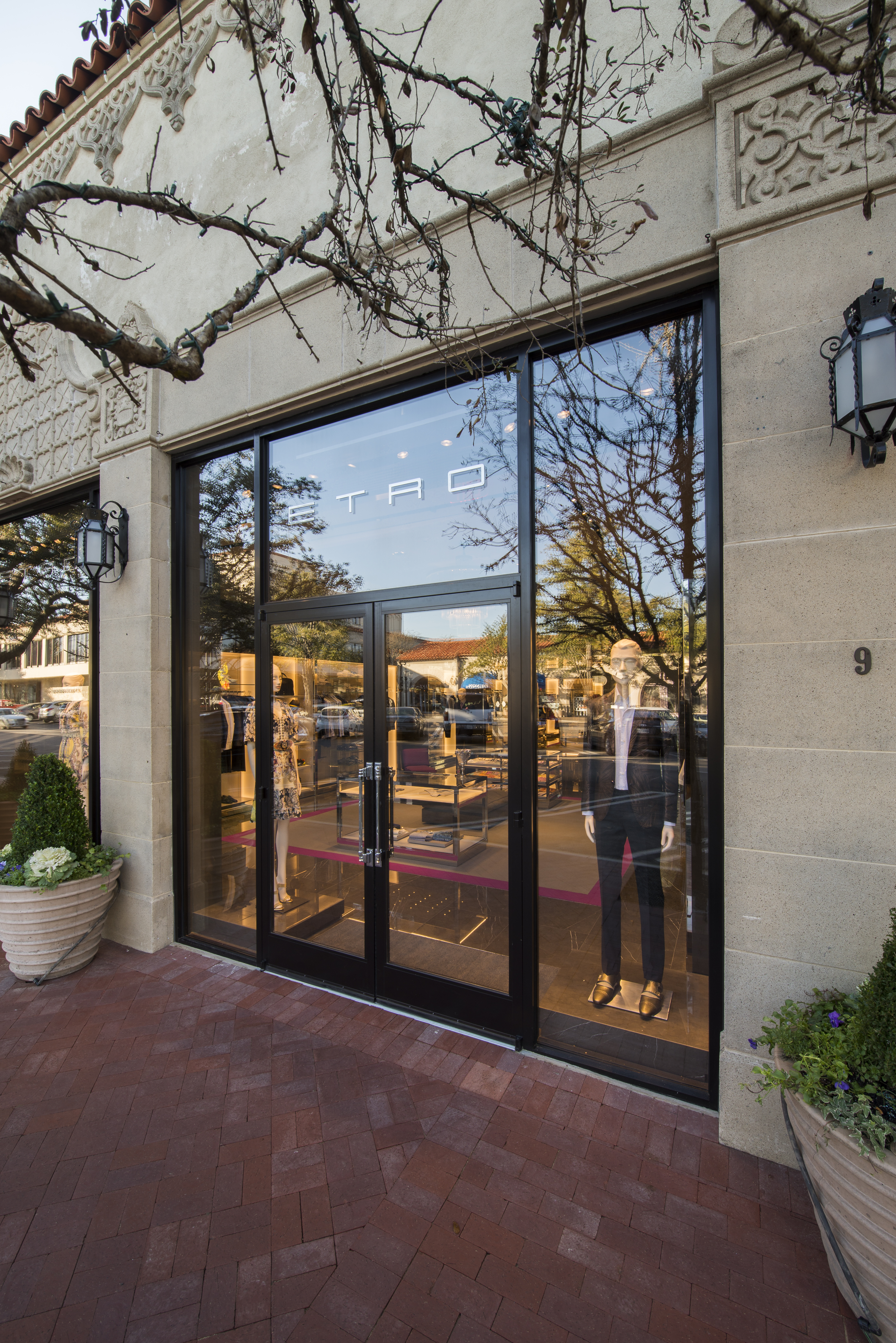 Etro opened it's first Dallas boutique at Highland Park Village in 2016.