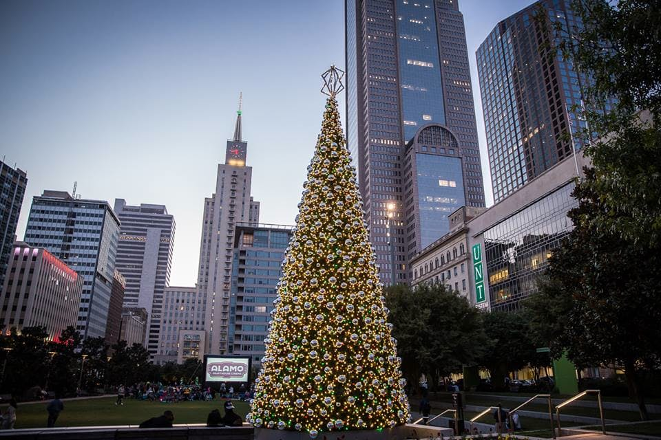 downtown_dallas_holiday_guide