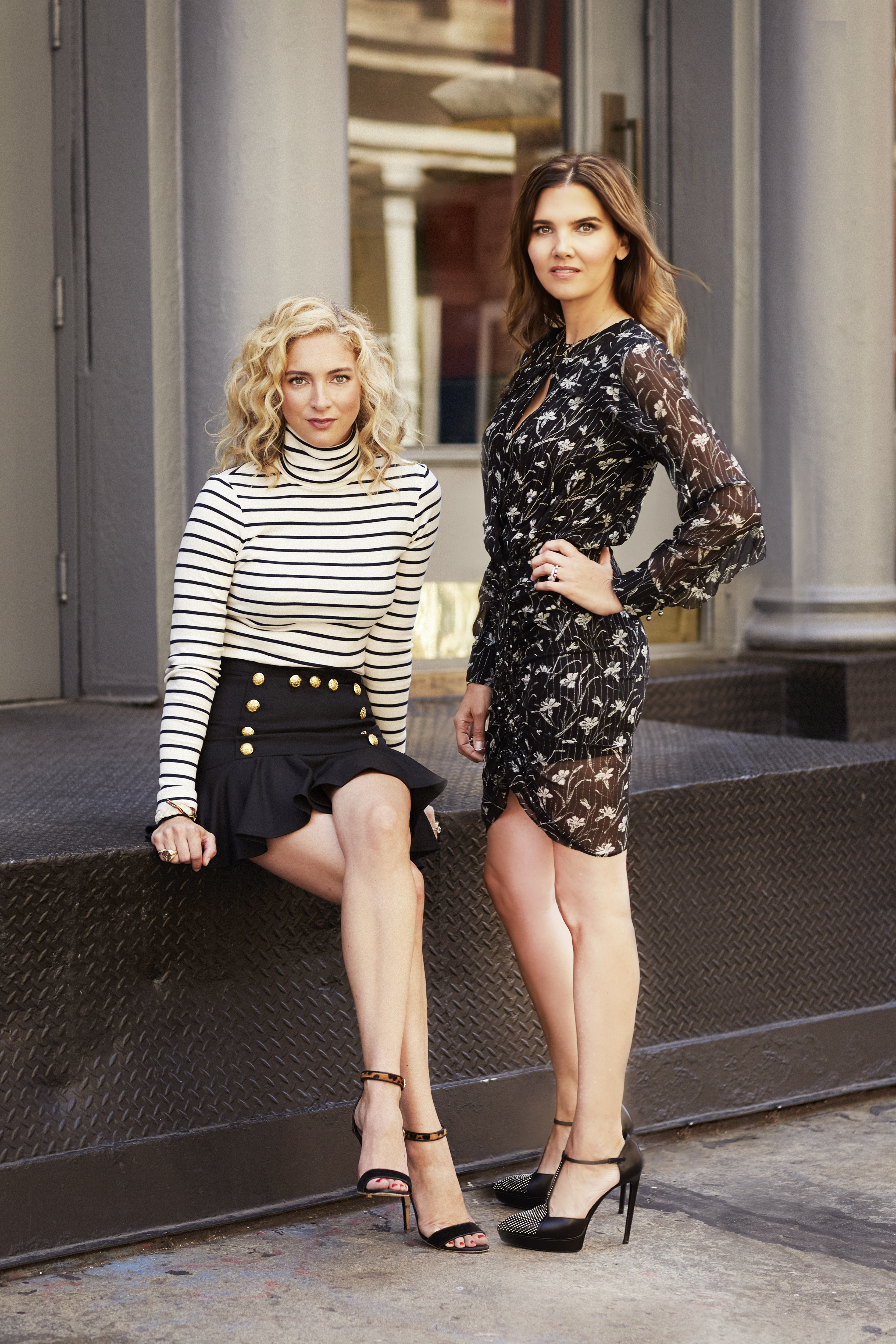 Las cuñadas Veronica Miele Beard y Veronica Swanson Beard crearon la marca en 2010 en el corazón de la ciudad de Nueva York.