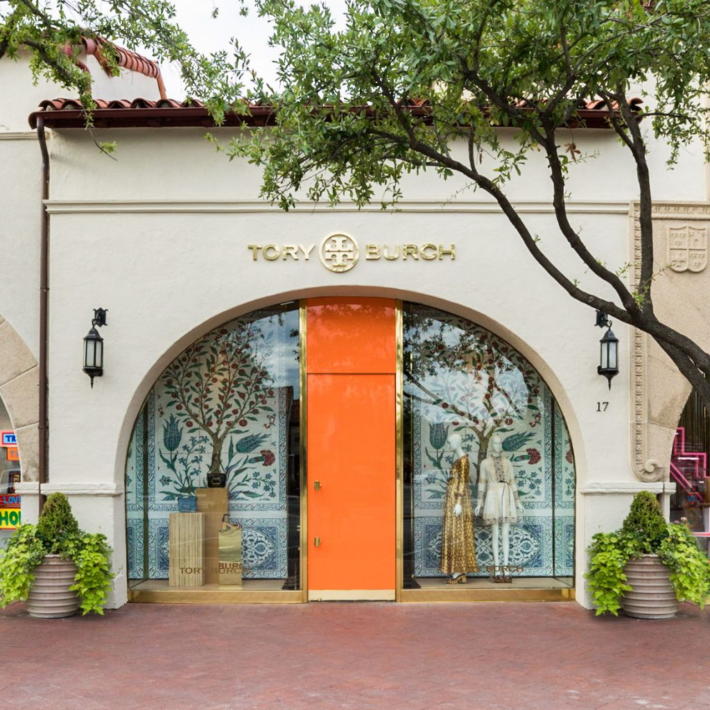 The Tory Burch boutique opened in Highland Park Village in February 2006.