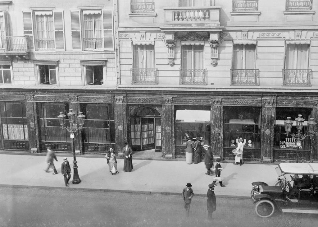Cartier, at 13 rue de la Paix in 1913. Cartier Archives © Cartier